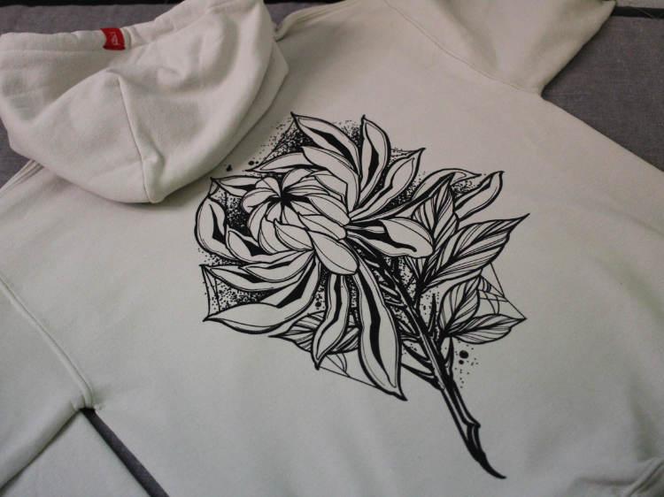 Dark Chrysanthemum Sand Hoodie Back Print Detail